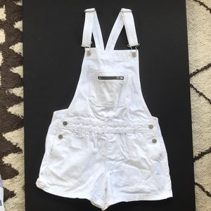 🎀 Abercrombie and Fitch shorts overalls 🤍